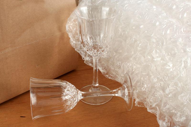 trasladar objetos de cristal en una mudanza